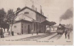 L ESTAQUE ( La Gare. Carte Legerement Pliee Ne Genant Pas La Vue ) - L'Estaque