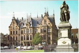Den Haag: DAF 55 & CLASSIC DAF, VW VARIANT 1500, JAGUAR MKI, CITROËN DS, NSU PRINZ 1000 - Paleis Van Justitie - Holland - Turismo