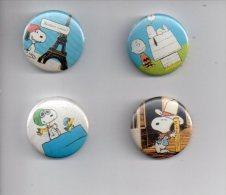 REF XXL 4 Badges Badge Ancien 1980 (no Pin´s) Snoopy Schulz Chalie Brown - Baseball