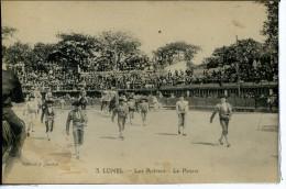 Dpt 34 Lunel Les Arènes - Un Défilé - Le Paseo Animée 1927 EV EC Legere Tâche Recto - Frankreich