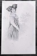 Litho Precureur Illustrateur  STOEFER BOTTARO Femme Folklore Coiffe Lorraine Alsace ? Decor Village - Bottaro