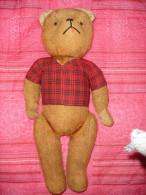 Ancien Ours Articule, Yeux En Boutons De Bottines, L' Ours Couine En Position Verticale (15-1292) - Teddybären