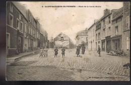 SAINT - SAUVEUR - LE - VICOMTE . Place De La Vieille Mairie . - Saint Sauveur Le Vicomte