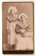 CDV Photo Originale XIX ème Femme En Costume Régional Savoie Albane Photo Vuillot Chambéry - Oud (voor 1900)