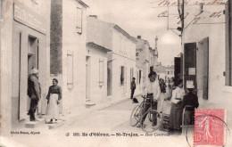 Cpa  17  Ile D'oleron , Saint Trojan , Rue Centrale Animee - Ile D'Oléron
