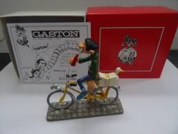PIXI 4757 GASTON A VELO NEUF DANS SA BOITE D'ORIGINE CERTIFICAT 323/1000 - Figurines