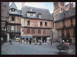 CPM Neuve Animée 56 VANNES La Place Henri IV - Vannes