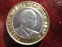 KENYA 1997  TEN SHILLINGS  ARAP MOI  USED COIN. - Kenya