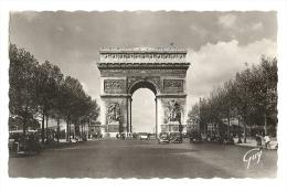 Cp, 75, Paris, Avenue Des Champs Elysées, Et Arc De Triomphe De L'Etoile, Voyagée 1944 - Arc De Triomphe