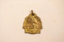 Médaille Fédération National Des Travailleurs Des Chemins De Fer Révision 23 Janvier 1917 - Railway