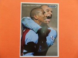 45300 POSTCARD: LIMITED EDITION POSTCARD COLLECTION: Barclays Premier League: Gabby And Ashley. - Soccer