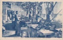 39 SAINT CLAUDE Industrie Locale FABRIQUE De PIPES Et TABATIERES Ouvriers Au Travail Maison JANTET DAVID - Saint Claude