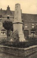BELGIQUE - FLANDRE OCCIDENTALE - LANGEMARK-POELKAPELLE - POELCAPELLE - Standbeeld Der Gesneuvelde Soldaten - Monument .. - Langemark-Poelkapelle