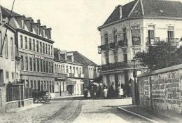 CPA - KNOKKE - KNOCKE - Arrêt Du Tram Vicinal  // - Knokke