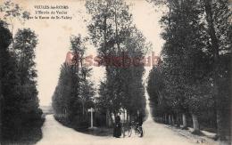 76 - VEULES LES ROSES -  Entrée De Veules Par La Route De Saint Valéry - Dos Vierge  -2 Scans - France
