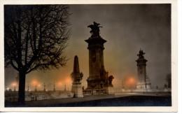 CP - PHOTO - PARIS LA NUIT - PONT ALEXANDRE III - 203 - - Paris Bei Nacht