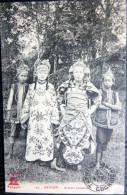 VIETNAM  INDOCHINE COCHINCHINE  ACTEURS ANNAMITES EN TENUE DE  SPECTACLE LOISIRS  COMEDIE CIRQUE - Viêt-Nam