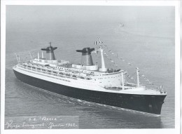 Photo du Paquebot France - voyage inaugural en janvier 1962 -