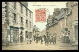 Cpa Du 22 Guingamp La Rue Saint Michel  AG15 4 - Guingamp