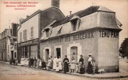 51-EPERNAY -Café-Restaurant Des Berceaux - Maison Courgnaud  Ed Bracquemard ( Animée)  CPA - Epernay