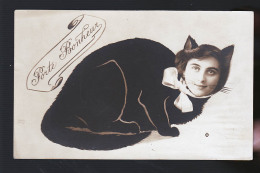 FEMME CHATTE RARE PHOTO CARTE - Chats