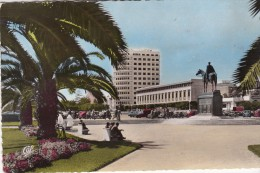 CASABLANCA  -  La Statue Et La Place Lyautey - Casablanca