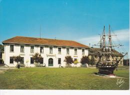 HOURTIN (33-Gironde), Caserne, Centre De Formation Maritime, Pavillon De Commandement Et La Corvette, Bateau, Ed. Elcé - France