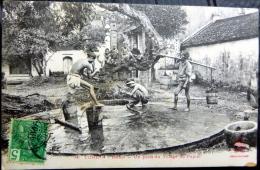 VIETNAM INDOCHINE HANOI UN PUITS AU VILLAGE DU PAPIER  COLLECTION DIEULEFILS - Viêt-Nam