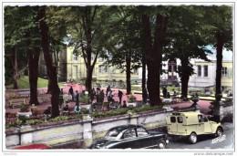 Autos Voitures Automobiles Cars - CAPVERN Les BAINS Joueurs De Pétanque Boules - Panhard Dyna Z Camionnette Citroën 2CV - Passenger Cars