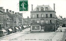 N°5962A -cpa Isigny -centre De La Ville- - Francia