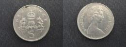 1979 - 5 PENCE GRANDE-BRETAGNE - ANGLETERRE - GREAT BRITAIN - ENGLAND - 5 Pence & 5 New Pence