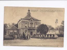 Leopoldsburg  -  Gemeentehuis En Gedenkteeken - Leopoldsburg