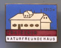 Alpinism, Mountaineering, Climbing - TRAISENER, Austria, Enamel, Vintage Pin, Badge, 30x25mm - Alpinismus, Bergsteigen