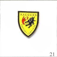 Pin´s Pompiers - SP De Saugues (43) - Version Jaune. Non Est. Métal Peint. T352-21B - Firemen