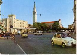 MONFALCONE - P.ZA REPUBBLICA - CAMPANILE - RIFORNIMENTO CARBURANTI TOTAL - AUTO D'EPOCA CARS VOITURES : FIAT 500 - 600 - Autres Villes
