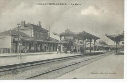 LES-LAUMES-ALESIA - LA GARE  ( Animées  ) - France