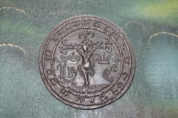 Belle Médaille Religieuse De Table En étain à Déterminer - Religious Medal - Religion & Esotérisme