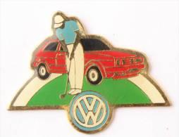 Pin's VOLKSWAGEN GOLF Rouge Et Golfeur - Logo Du Constructeur  - E080 - Volkswagen