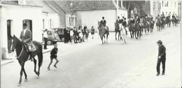 Le Luart - Défilé De L'équipage De Vénerie Dans Les Rue Du Luart - Photo Originale 9x18 Années 60 - Photographs