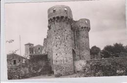 ST MARTIN DE SANZAY -ruines Du Château - Thouars