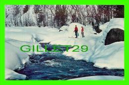 SPORTS D´HIVER - LE SKI - SKIERS AT ST MARGUERITE - NORTH RIVER - C.P.R. PHOTO - - Sports D'hiver
