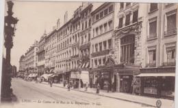(R) LYON, Le Casino Et La Rue  De La République - Autres