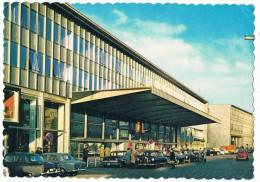 Liège   1966    Gare  Des  Guillemins  Belles  Voitures - Stations - Zonder Treinen