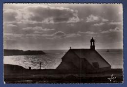 29 CLEDEN-CAP-SIZUN Pointe Du Van, Chapelle Saint-They Et La Pointe Du Raz Devant La Baie Des Trépassés - Cléden-Cap-Sizun