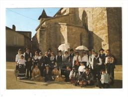 """CPSM 47 - VILLEREAL - RUE St-JAMMES - GROUPE FOLKLORIQUE """" LES TROUBADOURS DE GUYENNE """" - Danses"""