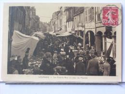 71 - LOUHANS - LA GRANDE RUE UN JOUR DE MARCHE - Louhans