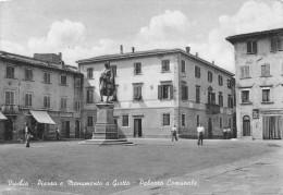 """03317 """"VICCHIO - PIAZZA E MONUMENTO A GIOTTO - PALAZZO COMUNALE """" ANIMATA. CARTOLINA POSTALE . SPEDITA 1959. - Italia"""