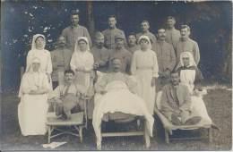 Carte Photo - Militaria - Soldats Poilus Blessés En Convalescence Avec Les Infirmières - Weltkrieg 1914-18