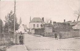 SAINT POL (SUR TERNOISE)  4 ENTREE DE LA RUE D'HESDIN (ENFANTS EGLISE ET VOIE FERREE) - Saint Pol Sur Ternoise