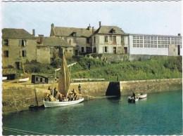 Cpsm L Ecole De La Mer Jeunesse Et Marine PORT LAY EN GROIX - Groix